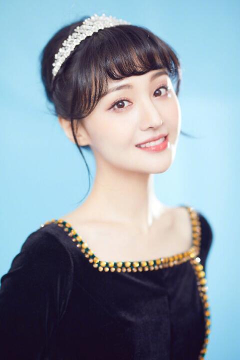 广电网实时评价发文章称不给赵丽颖一切发音露脸的机遇