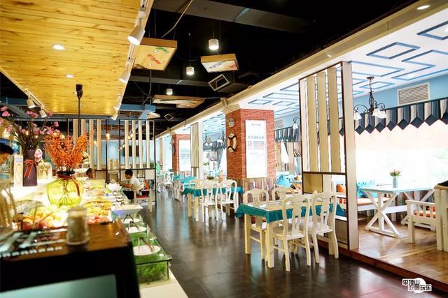 平顶山这家牛排餐厅有点狂,50+种美食免费吃,列队进扶墙出……插图1