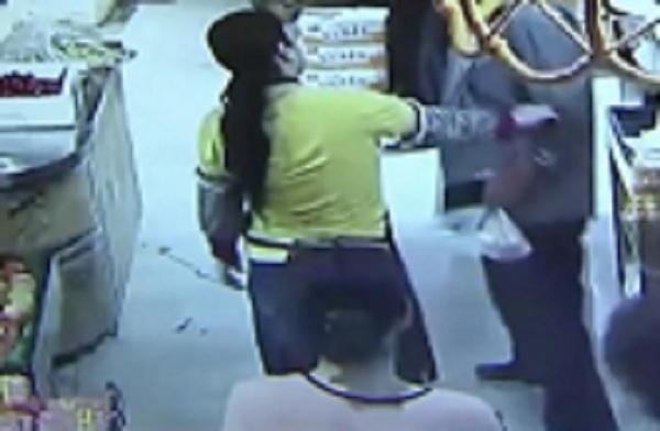 江苏老人拿超市鸡蛋未结账,被超市员工拦下后猝死,家属索赔38万www.smxdc.net