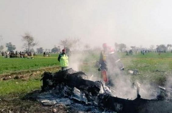 """巴基斯坦""""枭龙""""掉了!战机坠毁于印巴边境,印度国内一片欢腾-第5张"""