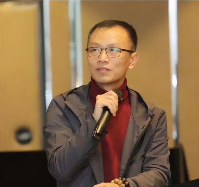 """吴洪涛访谈、从零赚过千万的都是""""狙击手""""从期货市场中""""抢钱"""""""