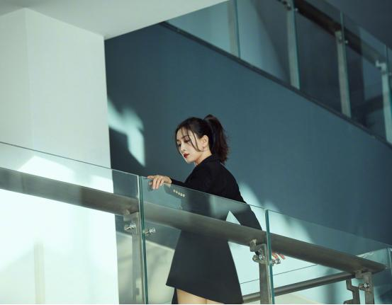马苏努力复出上《演员请就位》,倪虹洁淡妆出境,眼神都带着戏-第4张