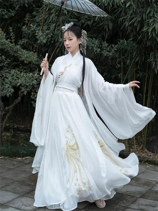 """外国女人都""""上头""""的汉服,学会穿法和搭配是关键,成为古装女神-第12张"""