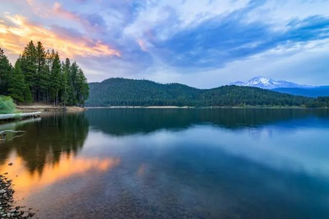 这个湖是很多人的最爱是有原因的