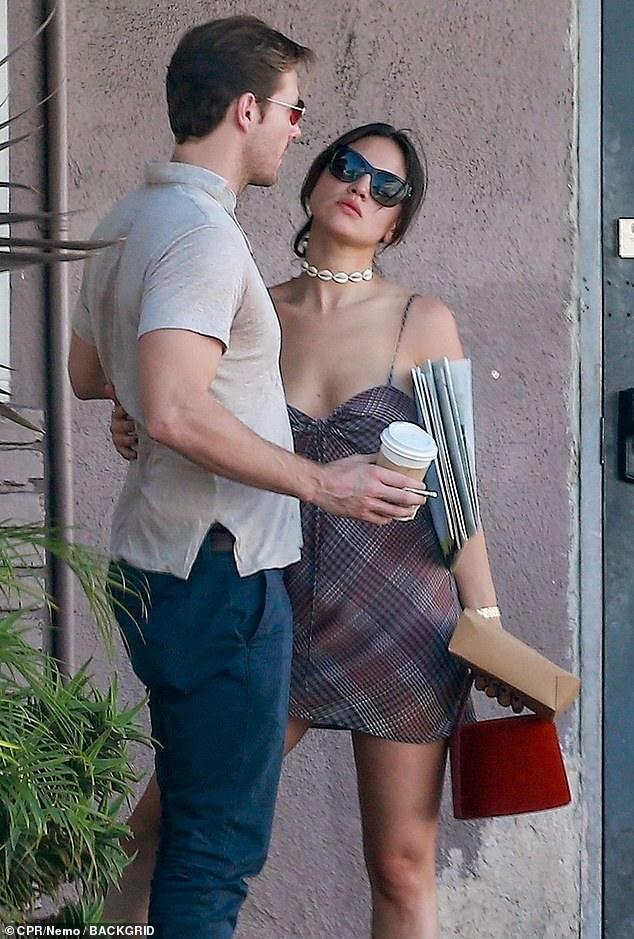 和甜茶激吻、锤弟约会…好莱坞美艳御姐的快乐你想象不到插图87