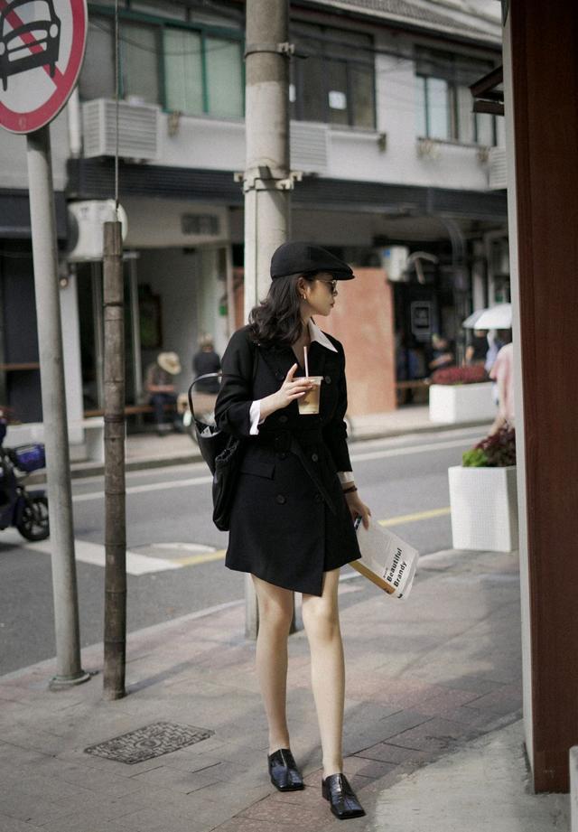 初秋怎么穿才精致?黑色西装裙配白色衬衫,干练又不乏时尚感-第6张