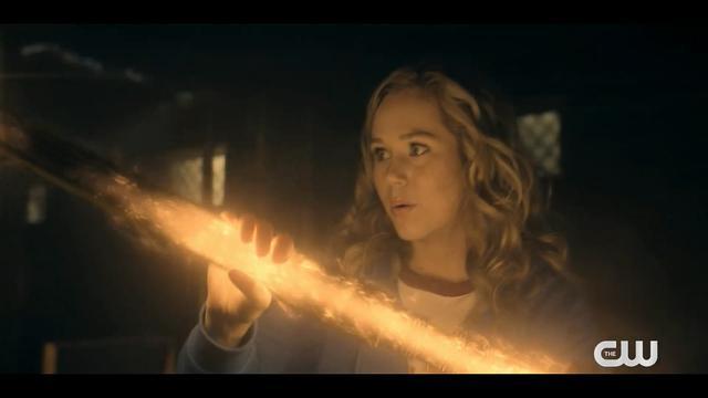 DC剧集《逐星女》新预告放出 5月11日上线开播