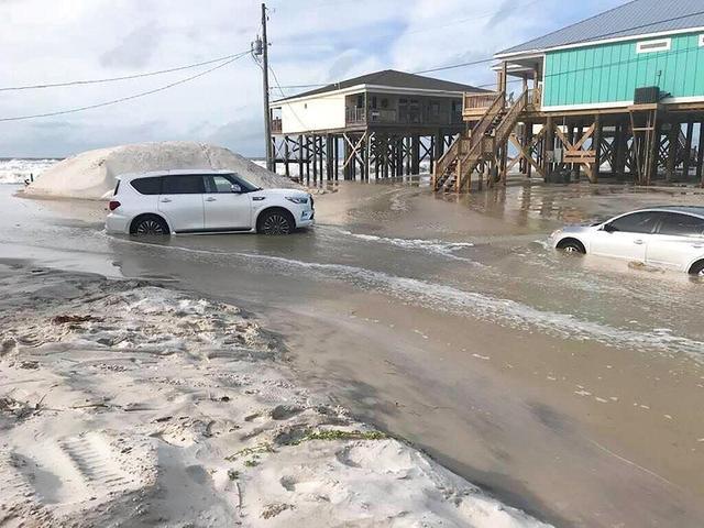 """飓风""""莎莉""""或致""""历史性""""洪涝灾害暴发-第1张"""