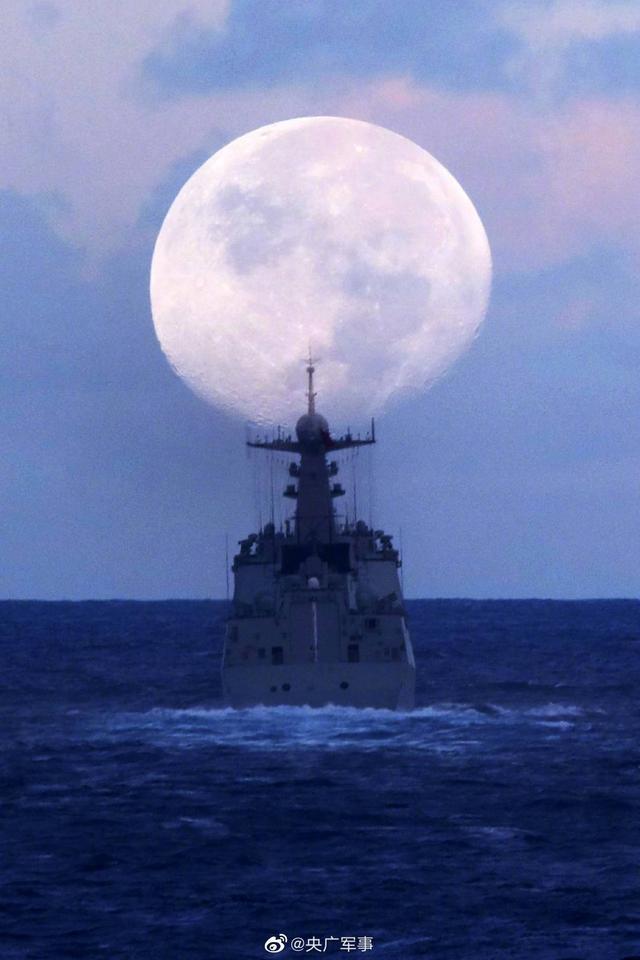 天涯共此时!亚丁湾护航官兵镜头下的月亮,太美了【www.smxdc.net】 全球新闻风头榜 第3张