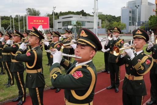 五星红旗,你是我的骄傲——驻香港部队举行国庆节升国旗仪式见闻-第2张