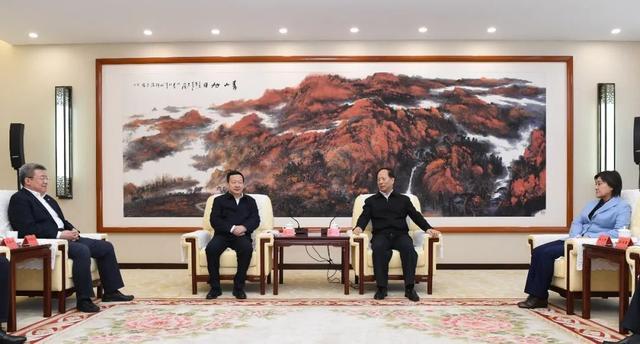 石泰峰布小林会见中国建筑集团有限公司董事长周乃翔