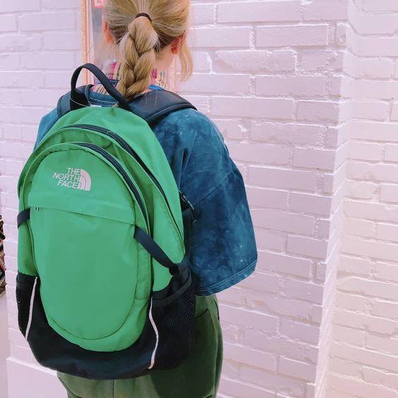 看看The North Face(北面)背包,假日、上班或是上學用