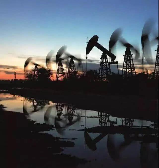 """油价超低,""""两桶油""""炼油业务仍巨亏,""""地板价""""政策当调整_极速赛车微信信誉群"""