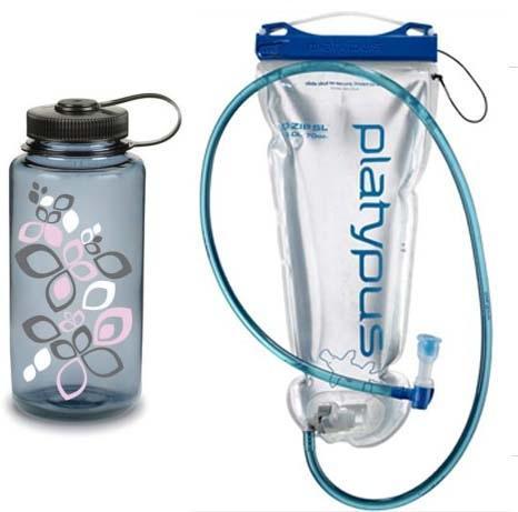 爬山用水瓶好?還是水袋好?該喝多少水呢?