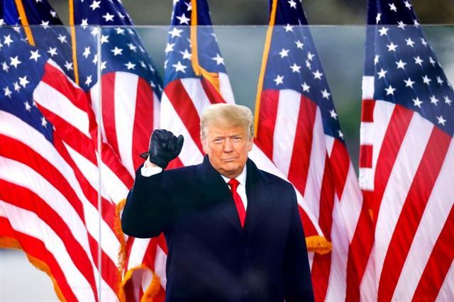支持者暴冲国会前光 特朗普与家人爽看直播庆祝 全球新闻风头榜 第1张