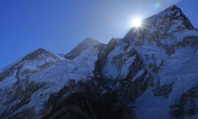 如果有人愿意给你50万赞助你去爬珠峰,你会去吗?