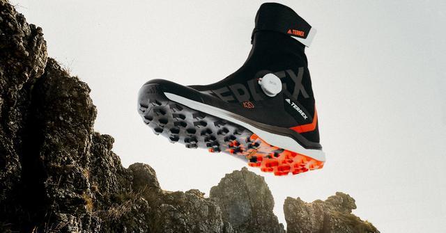 想在喜马拉雅山上跑步,这双adidas获奖越野鞋说可以