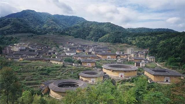 """这个花木兰出自福建土楼?中国古建筑中的""""奇葩"""""""