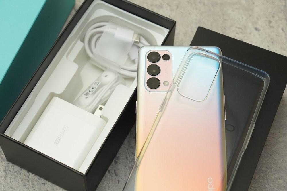 超轻薄美型5G手机OPPO Reno 5 Pro 四颗摄像头AI 相机怎么拍都好拍