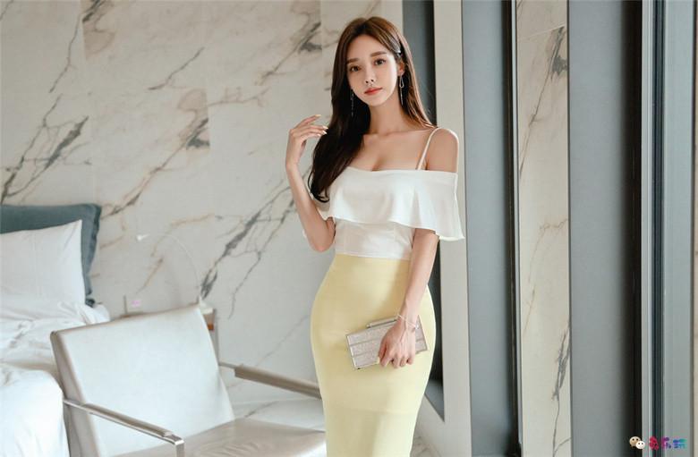 孙允珠丨维也纳淡黄抹胸柔幻公主衣裙