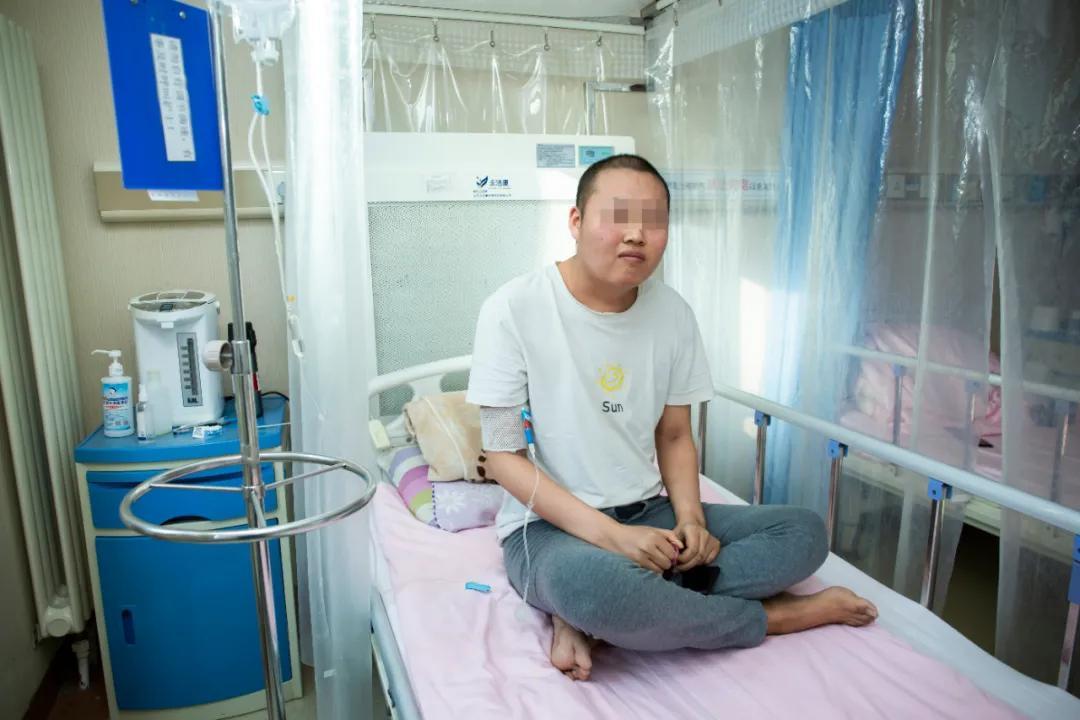 陆道培医院连续两例急性 T 淋巴细胞白血病患者获得完全缓解