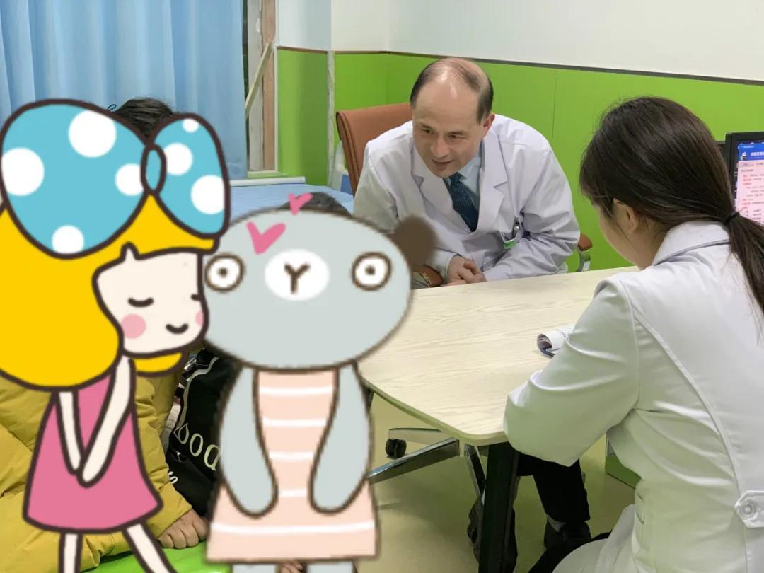 颜泽明询问多动症患儿情况
