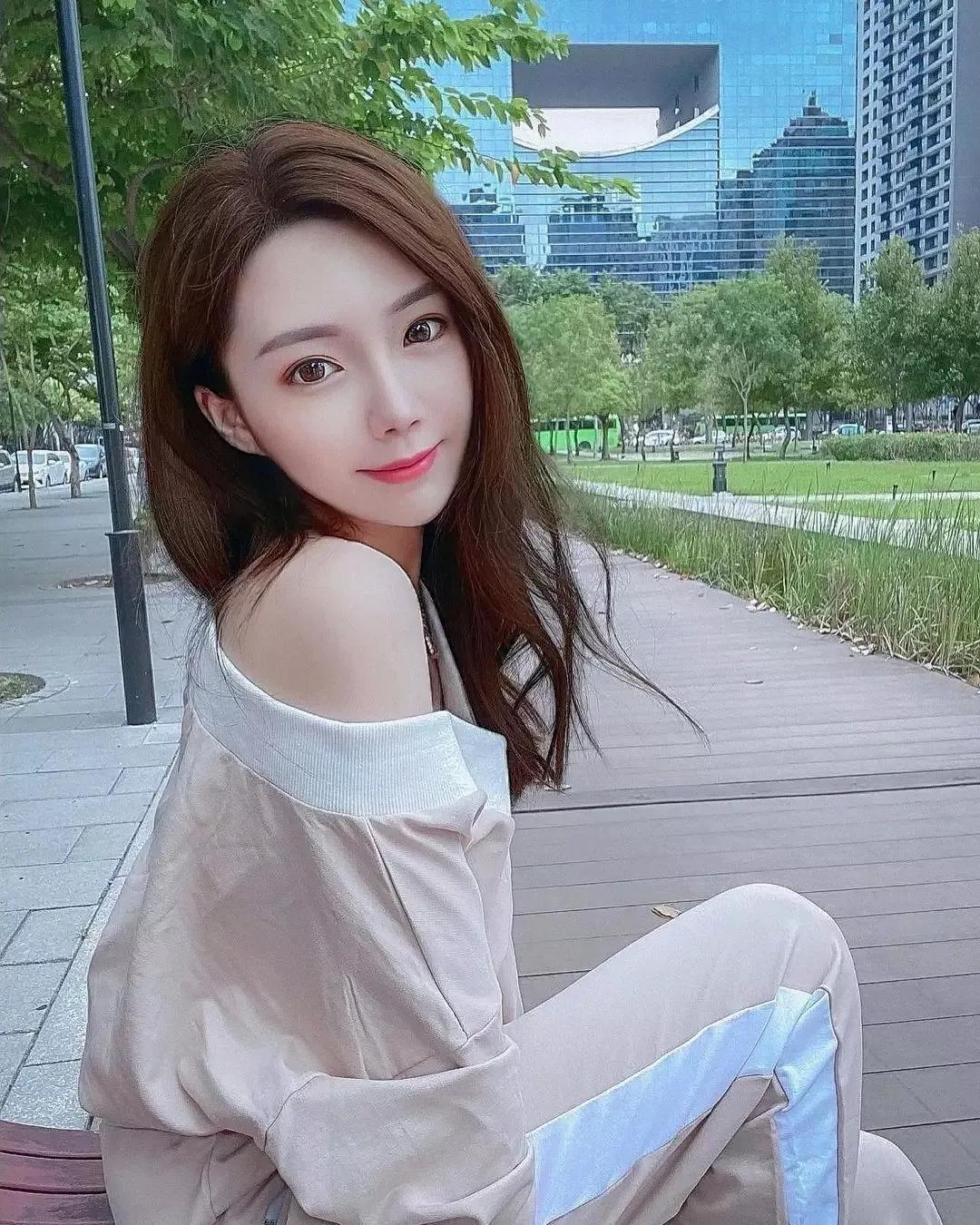 台湾甜美外形高颜值正妹:Shin芯儿