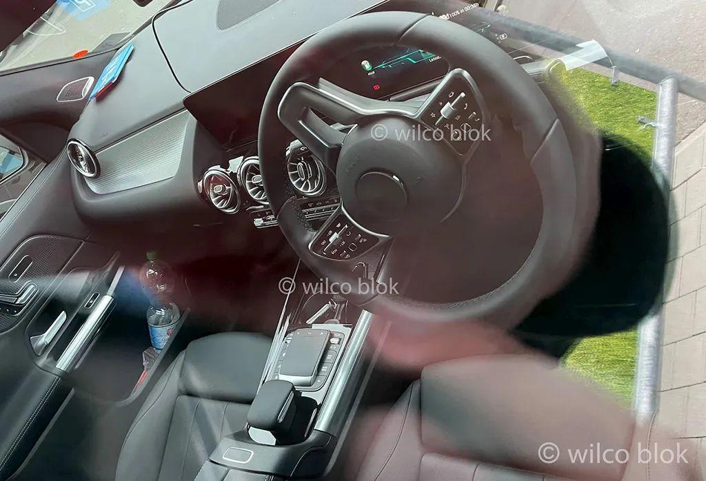 「汽车V报」全新马自达2渲染图曝光;大众ID.6国内路试谍照曝光-20201130-VDGER
